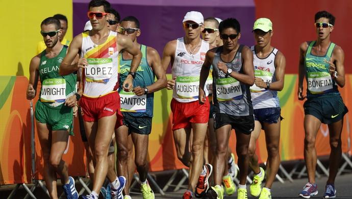 Marcha atlética 50km; Brasileiros Mário dos Santos Júnior e Caio Bonfim (Foto: AP Photo/Robert F. Bukaty)
