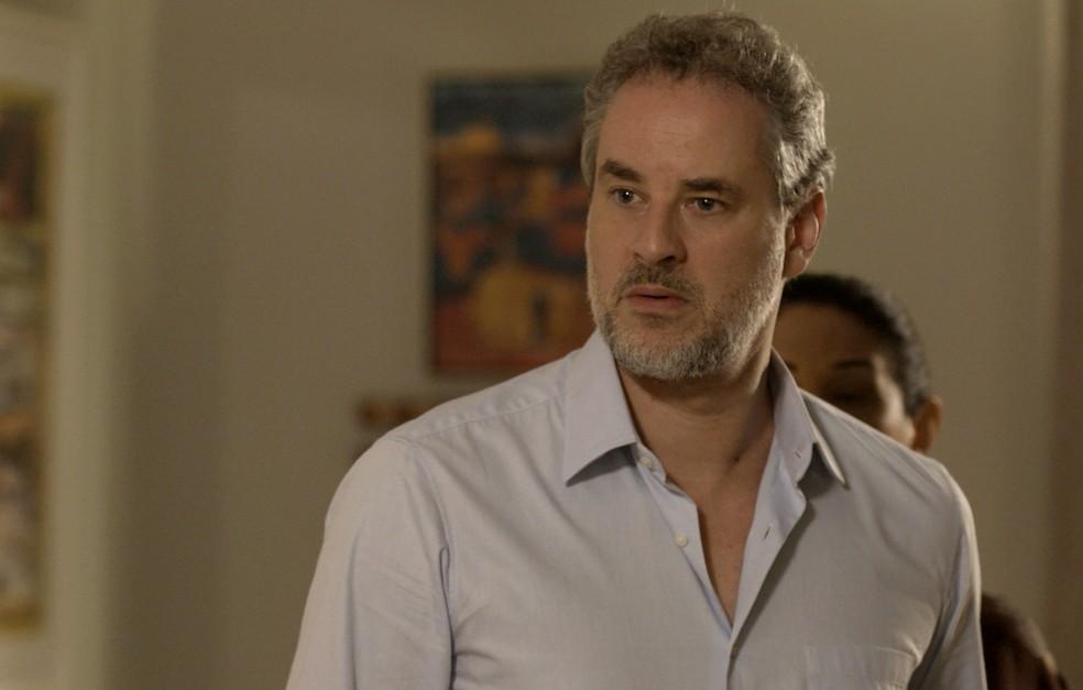E essa cara de Eugênio de quem viu assombração? 👻 (Foto: TV Globo)