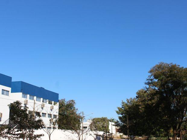 Céu de Campo Grande na tarde deste domingo (2) (Foto: Adriel Mattos/G1 MS)
