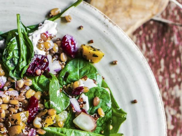 Salada de broto com molho de mostarda (Foto: Divulgao/ IStock)