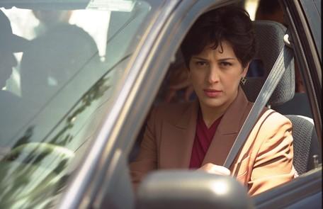 Em 'Torre de Babel', de 1998, a atriz deu vida a Angela Vidal, profissional competente que comandava o shopping Tropical Towers, principal cenário da trama Marizilda Cruppe/08.12.1998