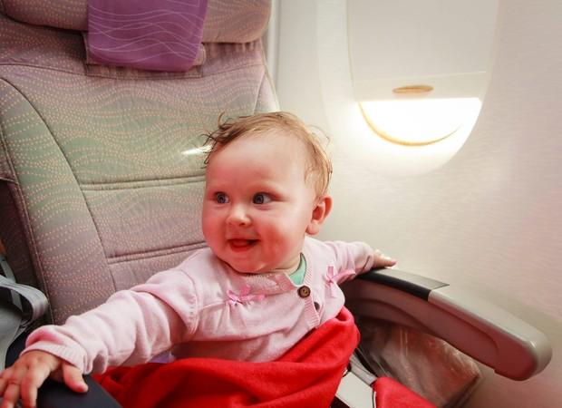 Voar com um bebê não é nada fácil (Foto: Reprodução/ Facebook)