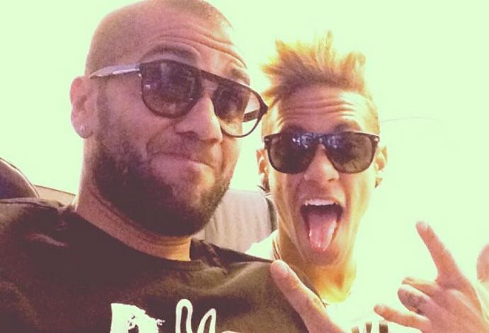 Neymar e Daniel Alves (Foto: Reprodução/Instagram)