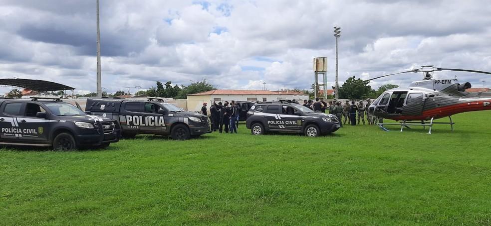 Forças de segurança realizam operação em Tauá para capturar preso que matou escrivão. — Foto: SSPDS/ Divulgação
