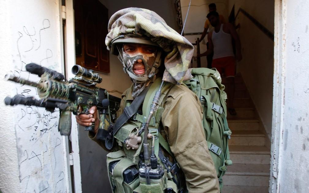 Israel Katz diz que um erro de cálculo do Irã pode deflagrar um confronto militar