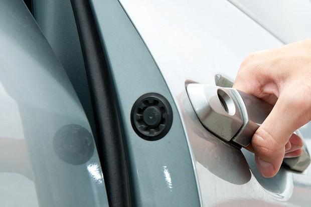 Borrachas de vedação da porta podem perder efeito com o tempo (Foto: Shutterstock)