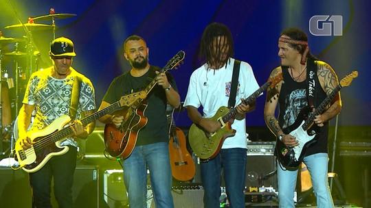 Banda Natiruts toca 'Reggae Power' no Festival de Verão