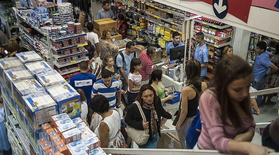 O comércio varejista cresceu 0,4% de dezembro do ano passado para janeiro (Foto: Agência Brasil)