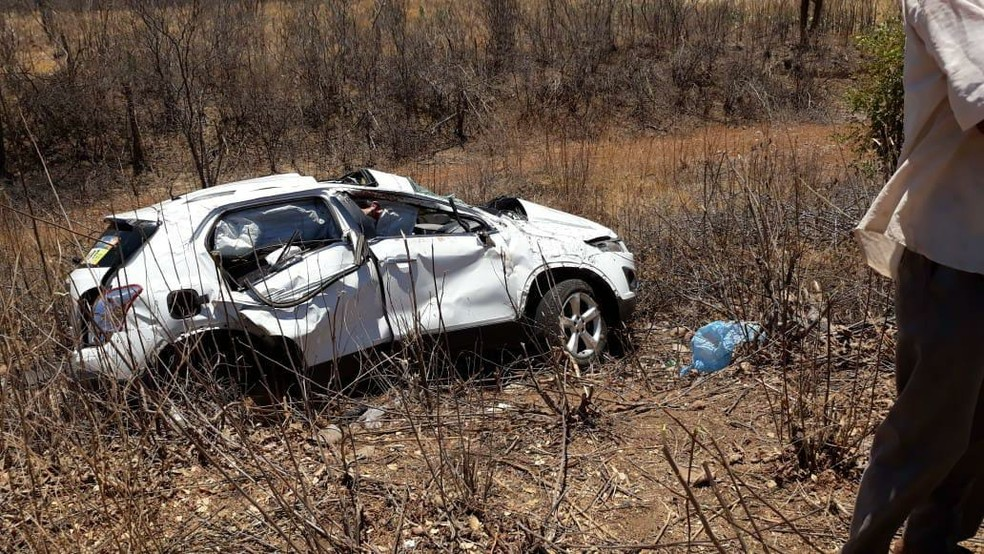 Duas pessoas morreram no acidente. — Foto: Polícia Militar