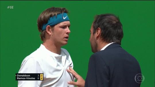 Tenista americano leva multa após gritar com juiz de cadeira durante o jogo
