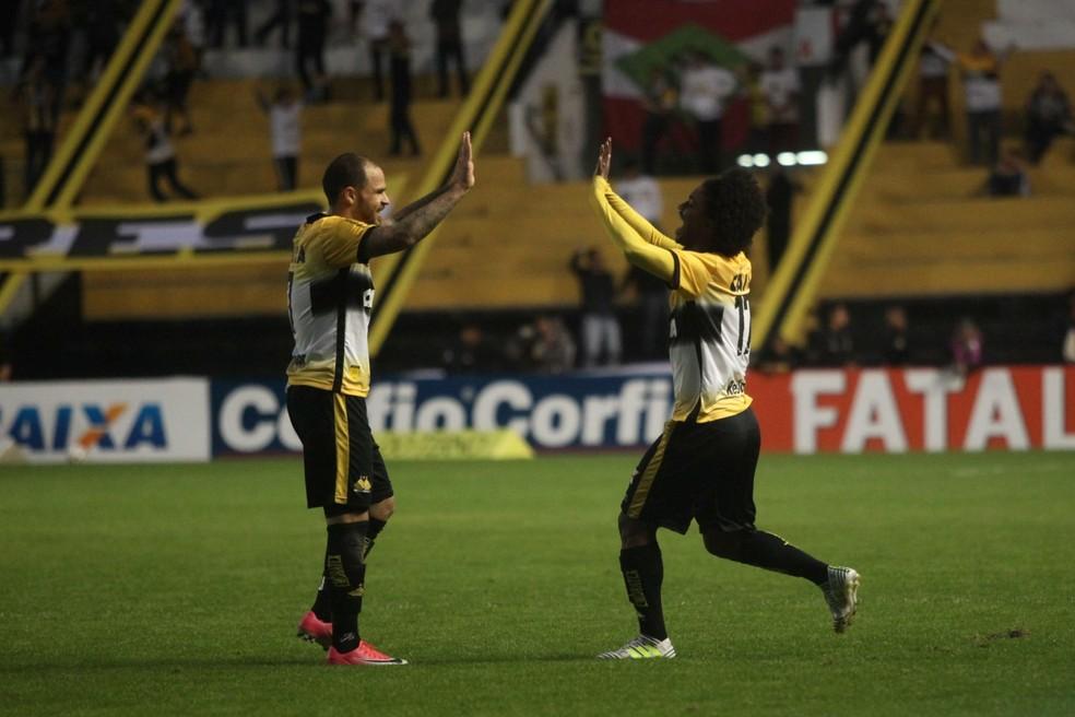 Caio Rangel comemora gol que garantiu vitória do Criciúma sobre o ABC (Foto: Caio Marcelo/Criciúma EC)