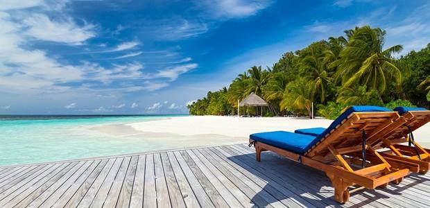 lugares-gostaria-de-estar-viagem-rede-mar-cristalino-lendo-2 (Foto: Thinkstock)