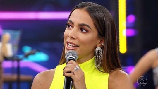 Anitta homenageia Gretchen em nova fantasia