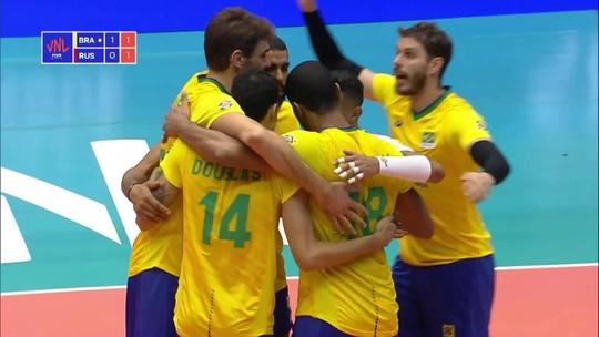 Brasil passa por cima da Rússia, sobe à liderança e fica a um ponto das finais da Liga das Nações