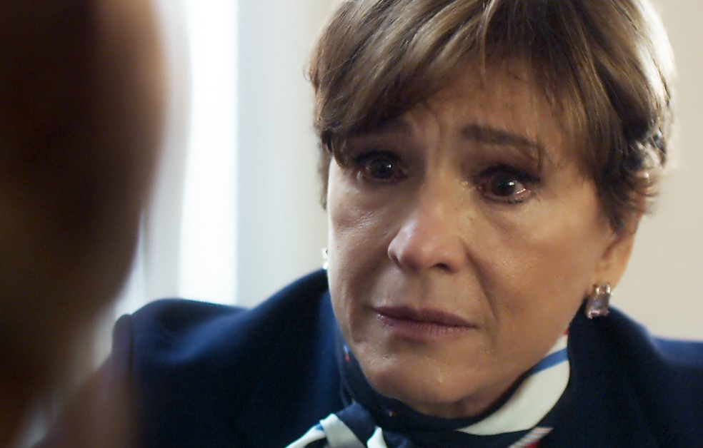 Kiki conversa com Nanda sobre o sumiço de Alice (Foto: TV Globo)
