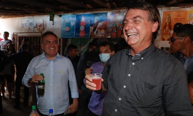 """Jair Bolsonaro disse que havia virado """"boiola"""" ao beber Guaraná Jesus"""