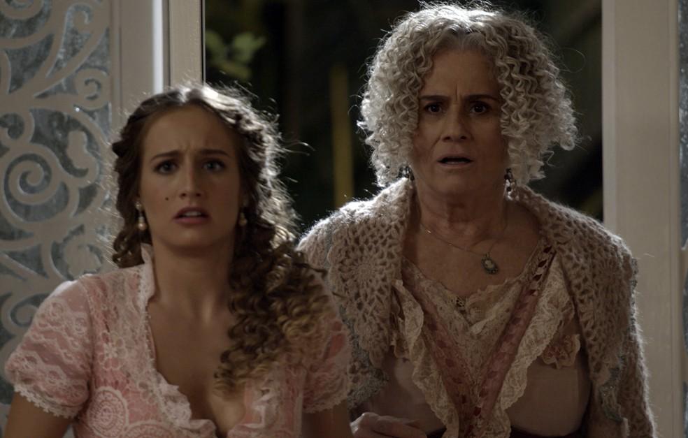 Todos se surpreendem com a chegada de Ofélia, sem avisar. Ela apareceu na hora certa! ??? (Foto: TV Globo)