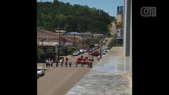 BM apreende mais de R$ 115 mil e armas com suspeitos de ataque a bancos em Ibiraiaras
