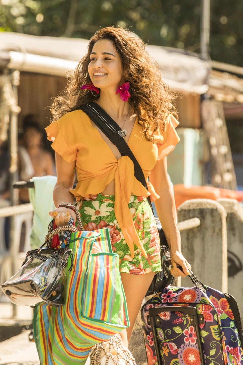 Nanda Costa é Érica, uma das filhas de Lurdes (Regina Casé) em 'Amor de Mãe', próxima novela das 9  — Foto: João Cotta/Globo