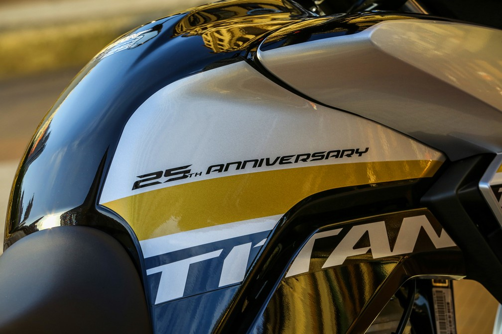 Honda CG Titan de 25 anos — Foto: Honda/Divulgação