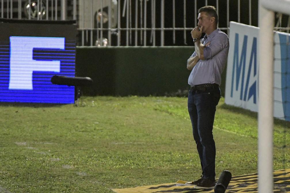 Vagner Mancini observa Corinthians contra o Retrô — Foto: André Fabiano/Estadão Conteúdo
