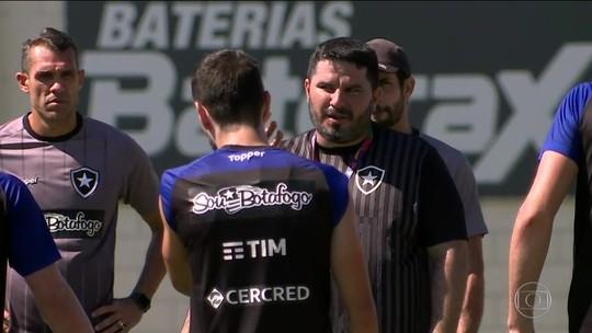 """""""De bobeira"""", Botafogo foca nos treinamentos com o novo técnico para se preparar para o Brasileiro"""