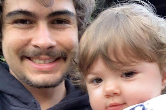 Rafael Vitti e a flha com Tatá Werneck, Clara Maria (Foto: Reprodução)