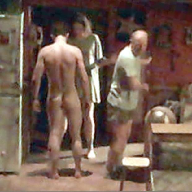 Nu em cena: Orlando Bloom em 'KillingJoe' (Foto: Grosby Group)