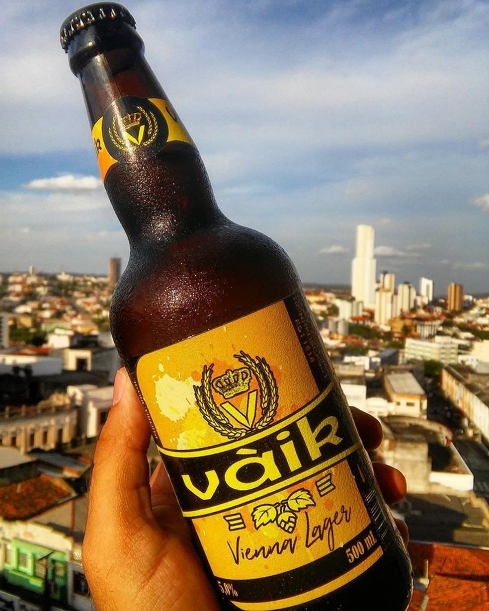 Primeira cerveja artesanal da Paraíba registrada no MInistério da Agricultura é de Patos, no Sertão (Foto: Reprodução/Instagram/vaikcervejaria)