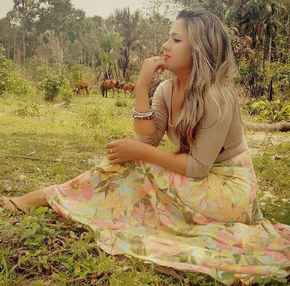 Janaina Valadares morreu em um acidente de trânsito em Araguaína — Foto: Reprodução/Facebook
