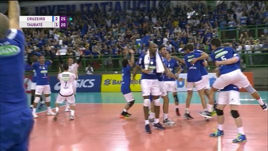 Melhores momentos: Cruzeiro 3 x 1 Taubaté pela semifinal da Superliga masculina de vôlei