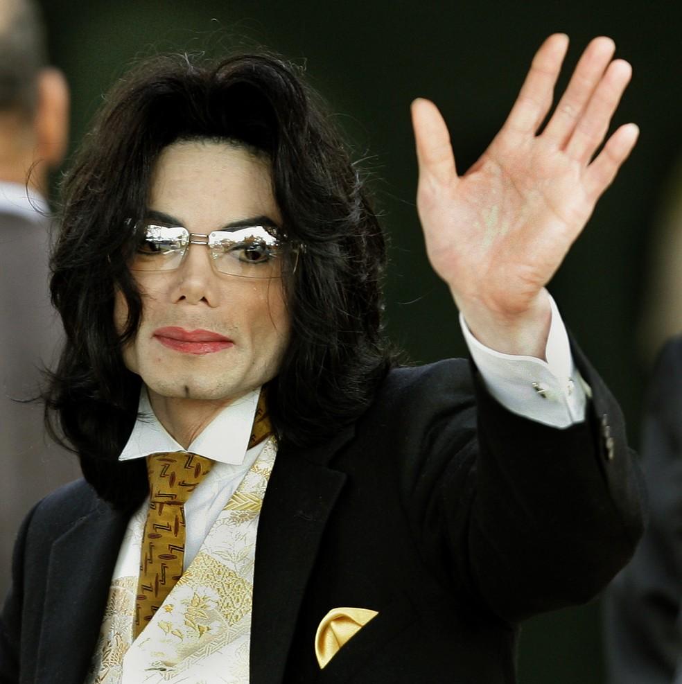 Michael Jackson em foto de junho de 2005 — Foto: Timothy A. CLARY/AFP
