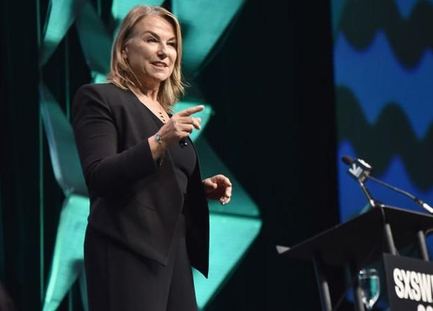 Esther Perel durante o SXSW 2019 (Foto: Getty Images)