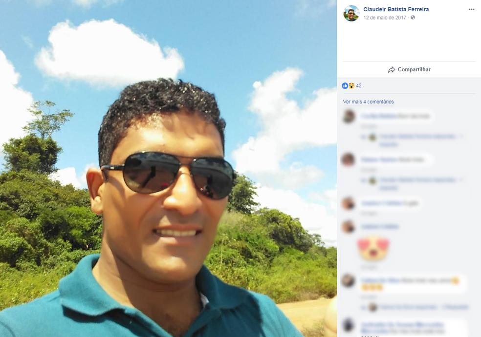 Claudeir Ferreira Batista, de 31 anos, fugiu após o crime (Foto: Facebook/ Reprodução)