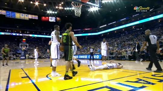 Com entorse no joelho, Curry fica três semanas fora e será reavaliado