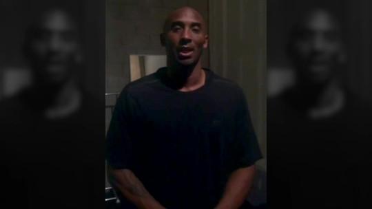 """Marcelinho recebe, em vídeo, homenagem de Kobe Bryant: """"Carreira fenomenal"""""""