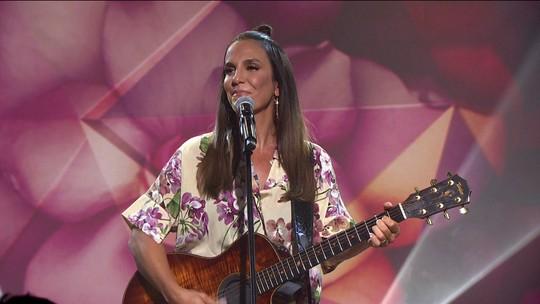 Ivete Sangalo canta 'Gita' para celebrar clássico vídeo de Raul Seixas de 1974