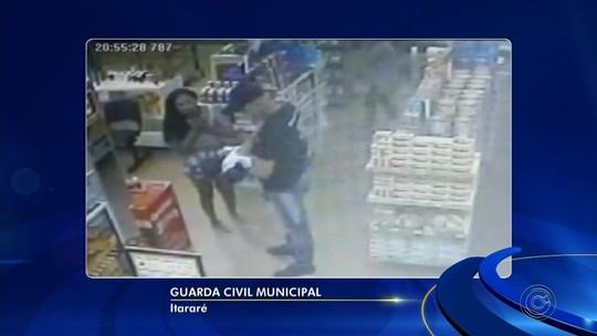 Vídeo mostra bebê engasgado sendo socorrido por guarda de folga em farmácia de Itararé