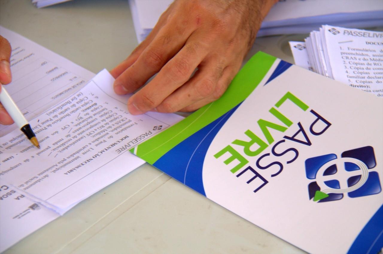 Carteiras Passe Livre Intermunicipal  serão entregues para pessoas com deficiência em 75 municípios baianos