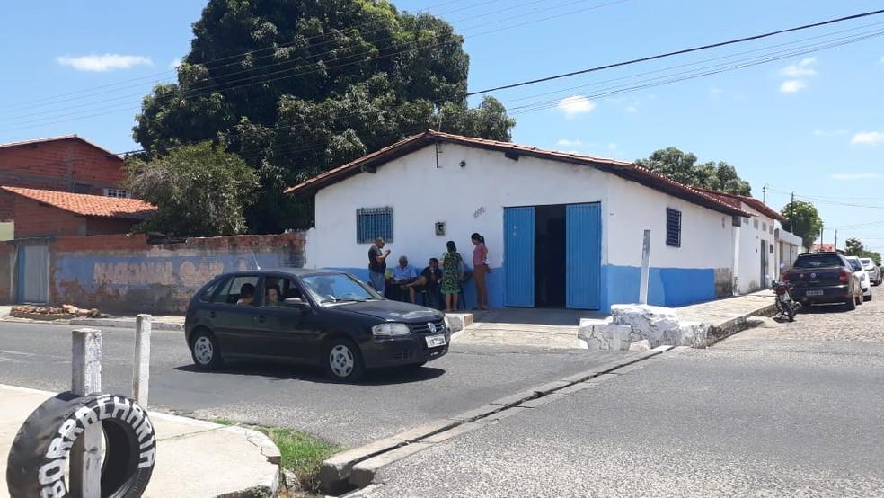 Velório de Lara Fernandes aconteceu na casa da família, na Zona Sudeste.  — Foto: Gilcilene Araújo/G1