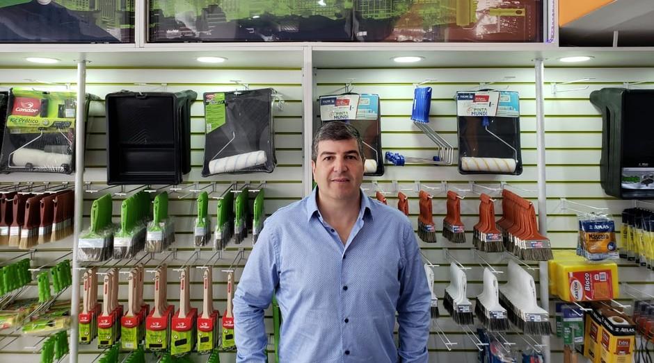 Nassim Katri é o fundador da Pinta Mundi, rede de lojas de tintas que faturou R$ 10 milhões em 2018 (Foto: Divulgação)