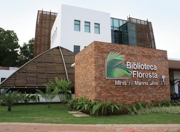 A Biblioteca da Floresta é especializada em assuntos e autores da Amazônia e do Acre, além de reunir informações sobre meio ambiente e sustentabilidade (Foto: Reprodução/dajoaobarbosacoelho)
