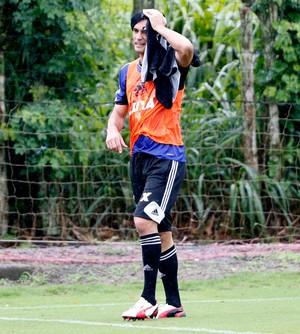 Zagueiro González, ex-Flamengo, acerta com o Unión Española