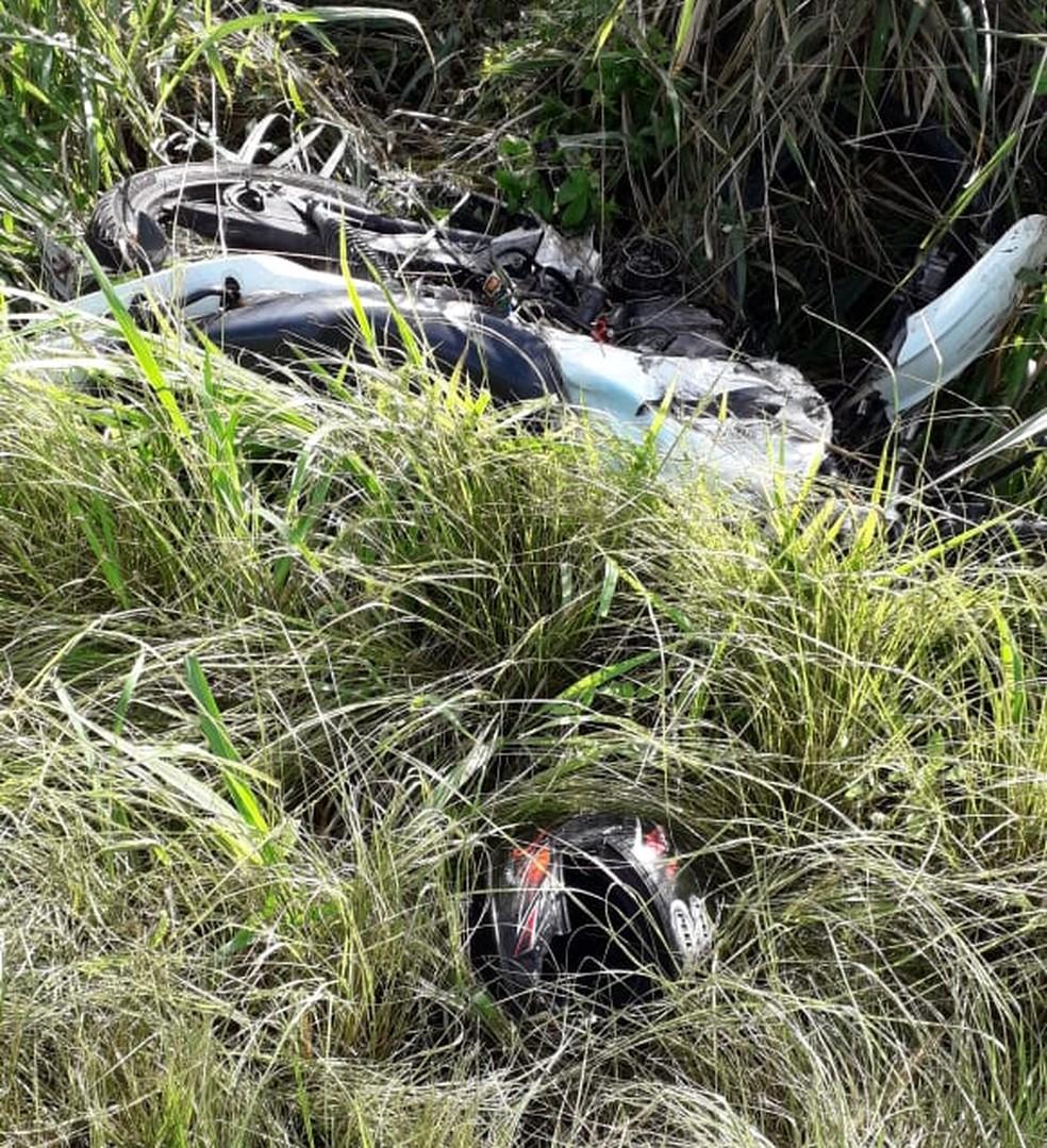 Motociclista morreu em batida frontal com carro na BR-406, na Grande Natal — Foto: Klênyo Galvão/Inter TV Cabugi