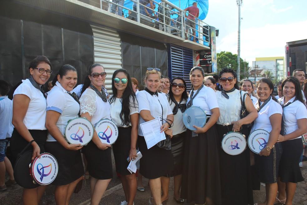 Mulheres também fizeram apresentação especial (Foto: Pedro Bentes/ G1)