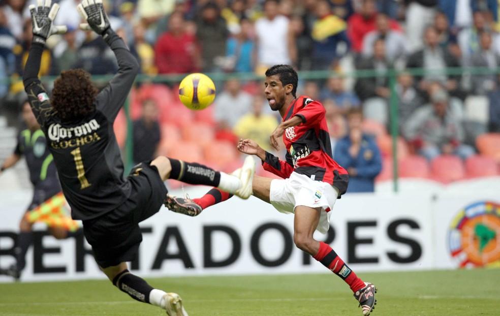Leo Moura fez gol em 2008 (Foto: Agência o Globo)