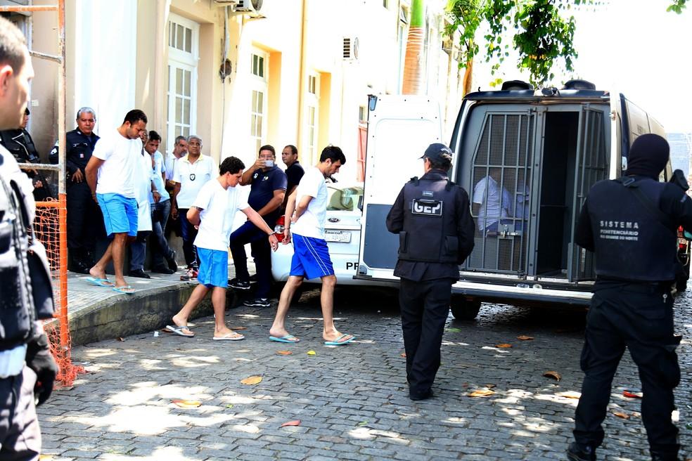 Chefes de uma facção foram retirados de Alcaçuz e transferidos ainda em meio às rebeliões (Foto: Frankie Marcone/Futura Press/Estadão Conteúdo)