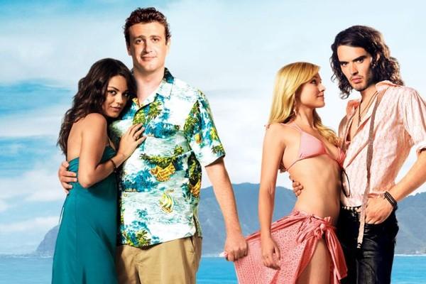 Mila Kunis, Jason Segel, Kristen Bell e Russell Brand em Ressaca de Amor (2008) (Foto: Reprodução)
