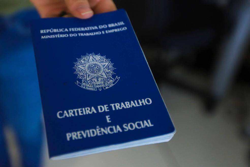 Carteira de Trabalho — Foto: Divulgação/prefeitura de Rio das Ostras