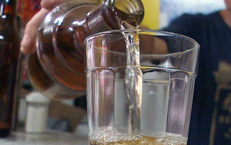 Consumo excessivo de álcool aumenta risco de dano cardiovascular, diz estudo (Foto: Reprodução/TV Globo)